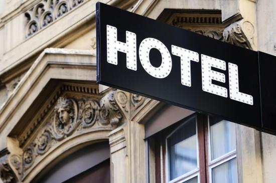 hotel shutterstock 113127745 e1348674579750 - 10 Motivos para se hospedar em um bom Hotel