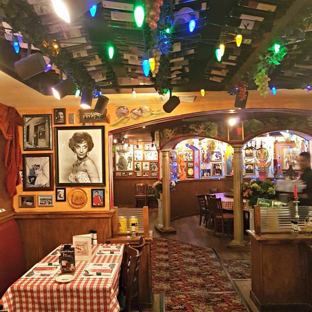 Buca di Beppo Orlando Decoração - Buca di Beppo: Restaurante Italiano nos Estados Unidos