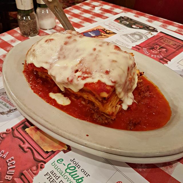 Buca di Beppo Orlando Lasagna - Buca di Beppo: Restaurante Italiano nos Estados Unidos