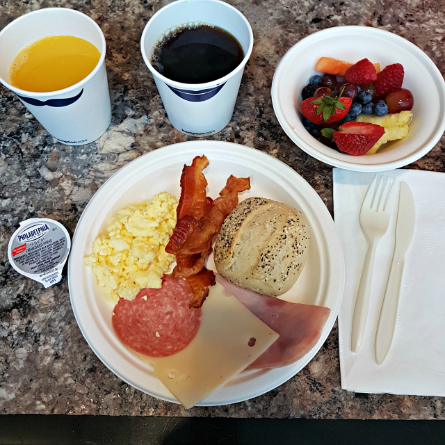 Hotel Hampton inn suites Miami brickell downtown Breakfast - Hampton Inn & Suites by Hilton em Miami Brickell / Downtown