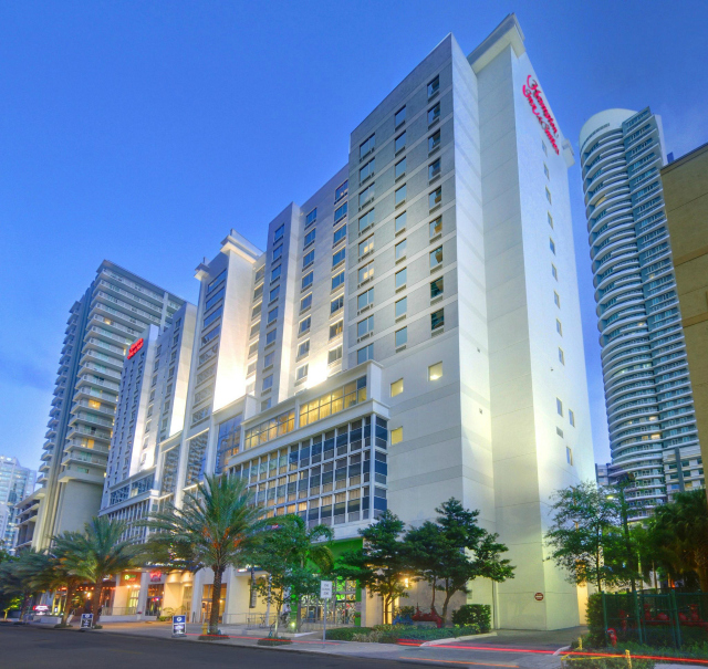 Hotel Hampton inn suites Miami brickell downtown Fachada - Hampton Inn & Suites by Hilton em Miami Brickell / Downtown