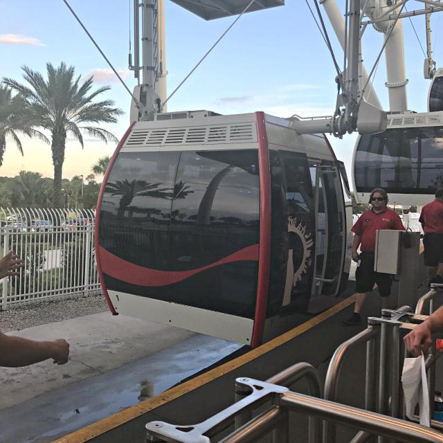 Orlando Eye Roda Gigante Chegada da Capsula - Orlando Eye: Conheça a roda gigante de Orlando