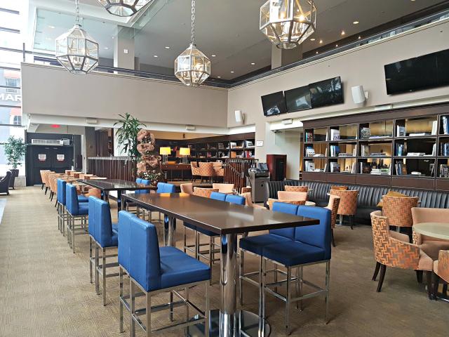 Le Centre Sheraton Montreal Hotel Bar Primeiro Andar - Hotel em Montreal: Le Centre Sheraton Montreal Hotel