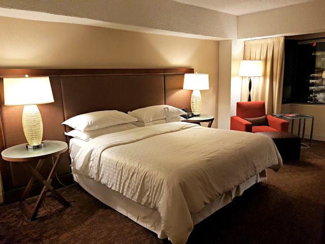 Le Centre Sheraton Montreal Hotel Cama King 1 - Hotel em Montreal: Le Centre Sheraton Montreal Hotel