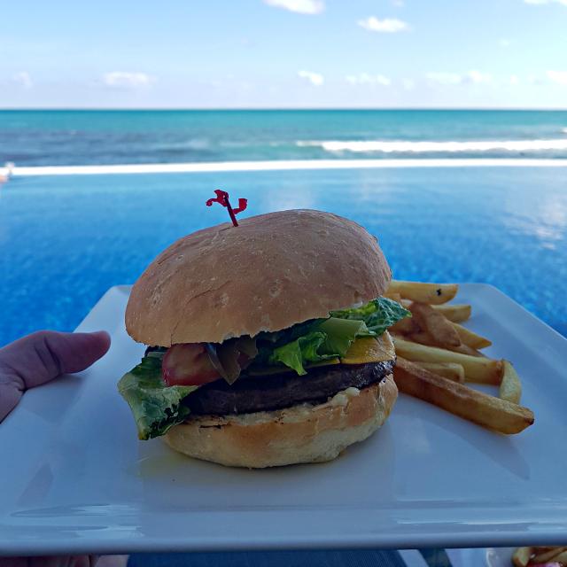 Hotel All Inclusive Senses Artsana Playa Del Carmen Burger - Nossa primeira vez em um All Inclusive - Hotel em Playa del Carmen
