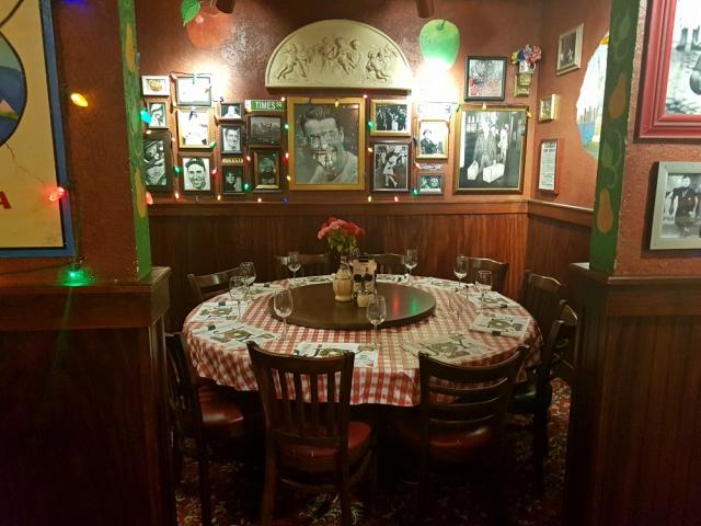 Restaurante Italiano Buca Di Beppo New York Times Square mesa familia - Buca di Beppo: Restaurante Italiano em New York