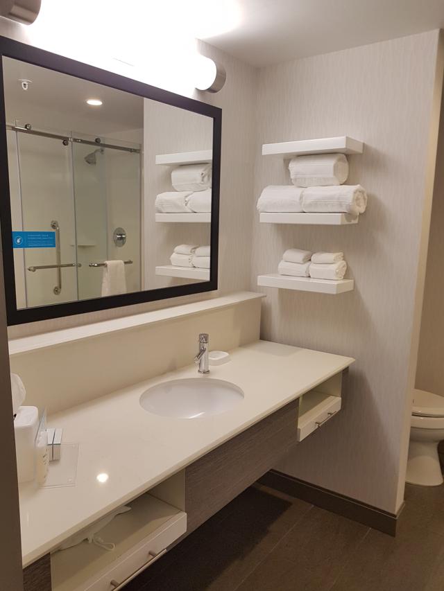 Hotel Hampton Inn Miami Midtown Banheiro - Hotel em Miami Midtown: Hampton Inn & Suites Miami Midtown