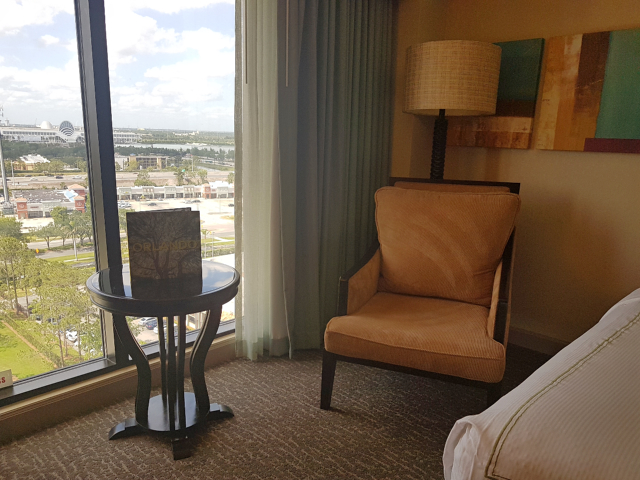 DoubleeTree by HIlton Hotel Orlando at SeaWorld Poltrona - Hotel em Orlando: DoubleTree by Hilton Hotel Orlando at SeaWorld