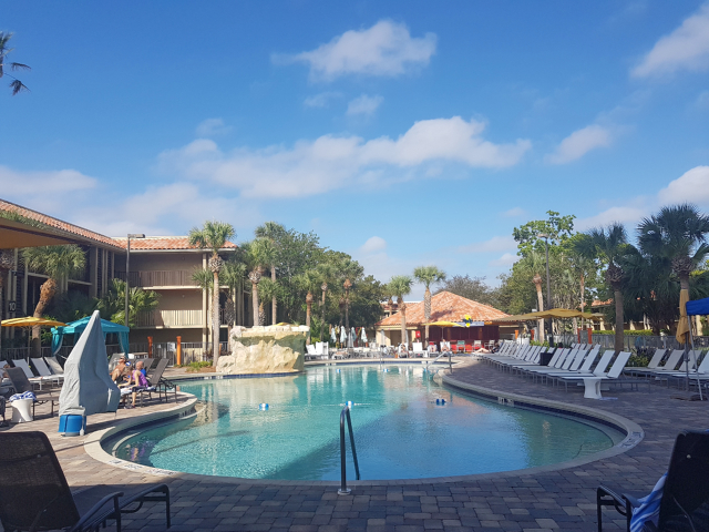 DoubleeTree by HIlton Hotel Orlando at SeaWorld Pool - Hotel em Orlando: DoubleTree by Hilton Hotel Orlando at SeaWorld