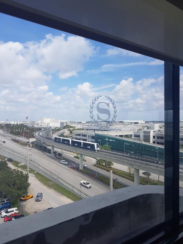 Hotel Sheraton Miami Airport Vista Lounge Vip 1 - Hotel em Miami: Sheraton Miami Airport Hotel