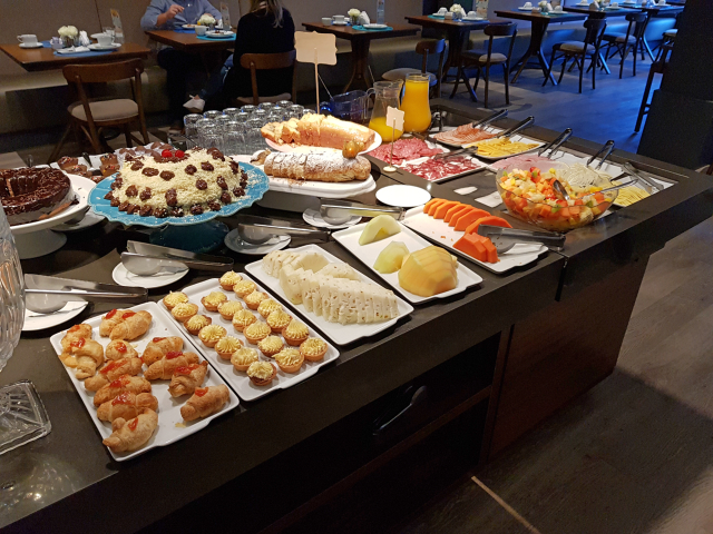 Hotel-Cercano-Gramado-Café-Doces-Frutas