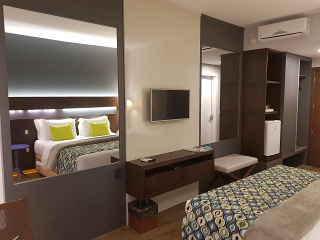 Hotel-Cercano-Gramado-Espelhos-quarto