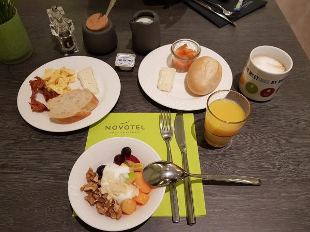 Novotel Frankfurt City - Café da manhã